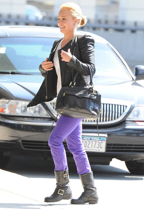hayden-panettiere-purple jeans