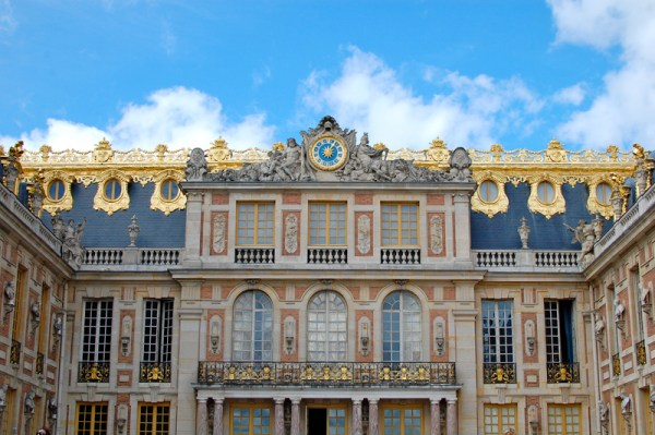 How to get to Versailles