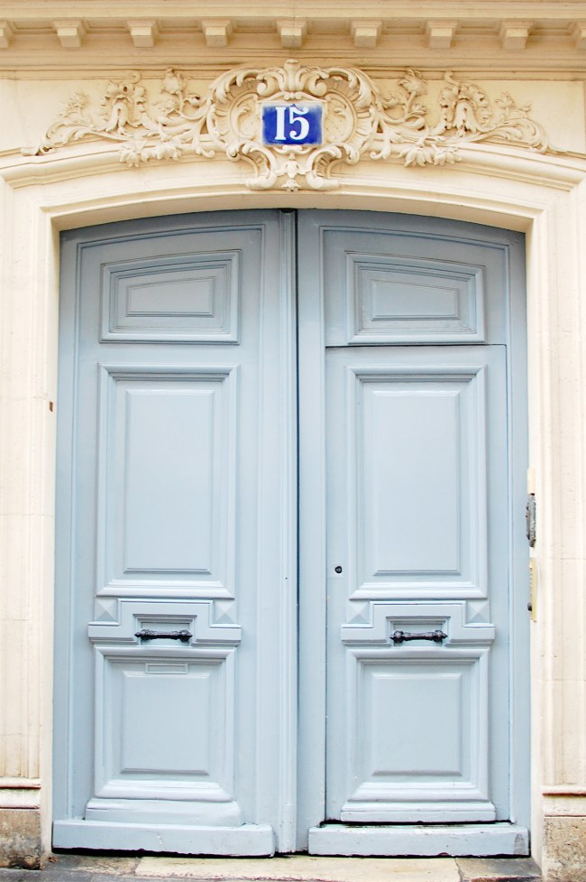 pastel blue door paris