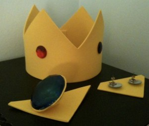 Princess Peach Crown, Brooch and Earrings