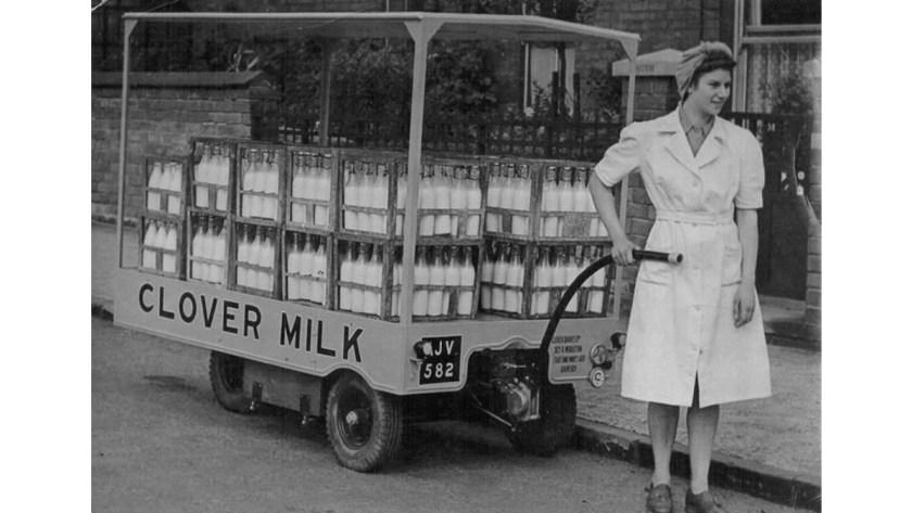 改送一瓶瓶的牛奶 / 圖片來源:winteringham.info