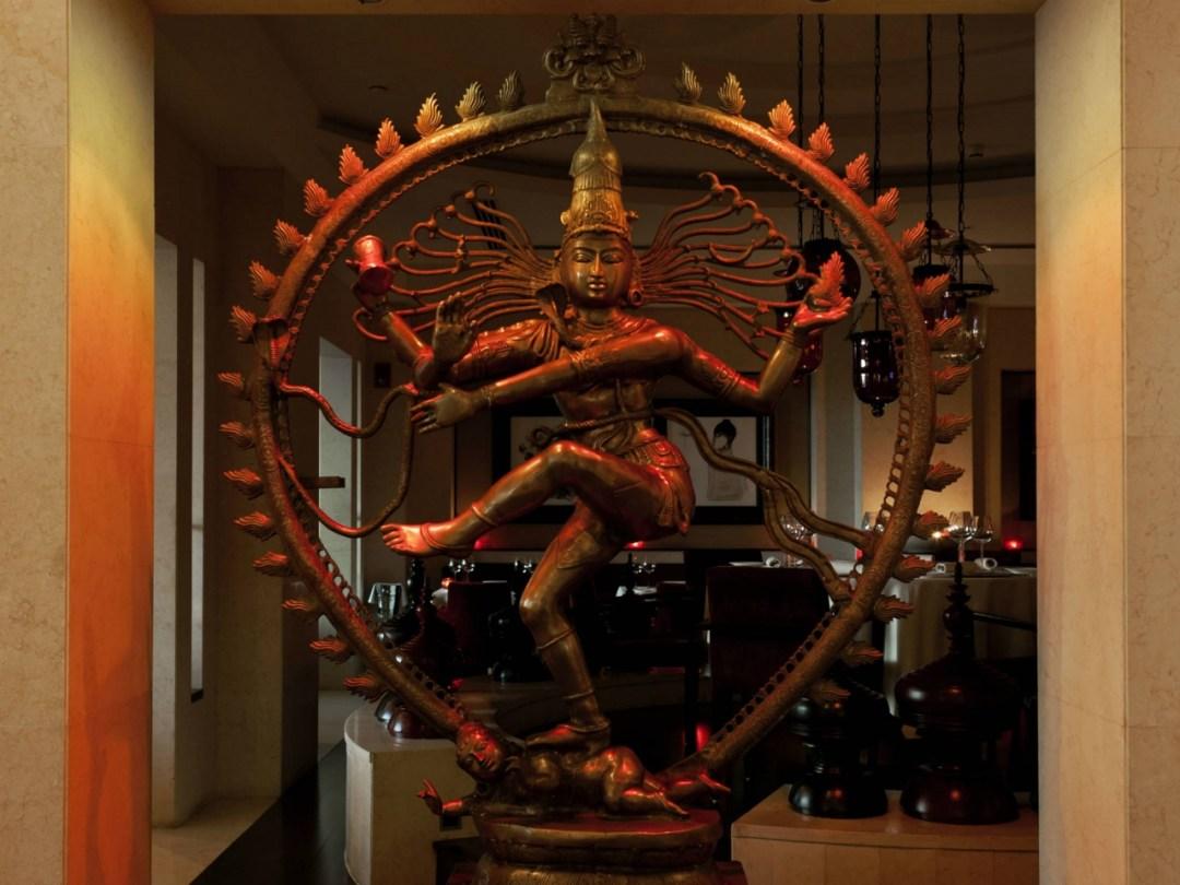 Indego-by-Vineet---Restaurant-Dubai---Statue