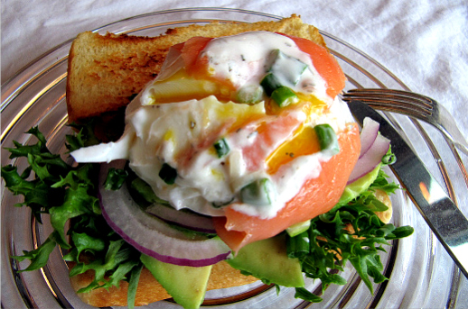 poached eggs with smoked salmon