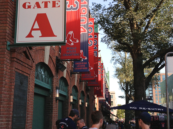 Fenway Park, Yawkey Way, Bostson