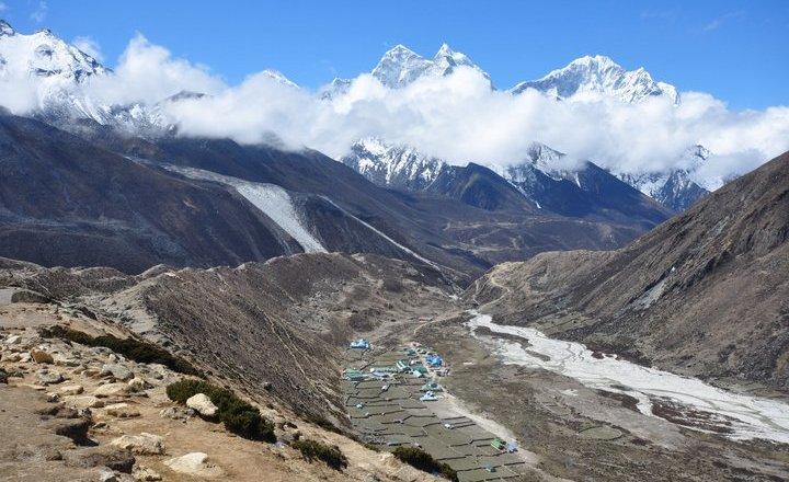 trekking-everest-trek-the-himalaya-55a4e3439411b2386fcf01b8-everest-base-camp-trek-nepal-32