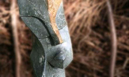 Titel: Flaming Beauty Künstler: Luckmore Joseph Stein: Green Opal Hoch: 107cm