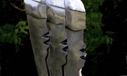 Titel: Looking Ahead Künstler: S. Stande Stein: Springstone Hoch: 90cm