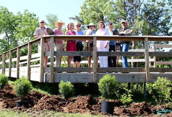 Garden Club of Madison donated plantings for the Hammonasset trail section. Photo credit: Cathy Marsh Photography