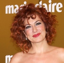 short hairstyles for curly hair women over 40