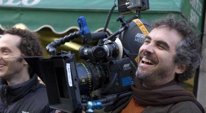 Guillermo Del Toro talks Cuaron's 'Gravity', new release date!