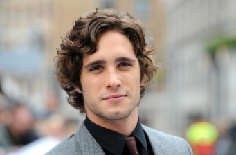 "Diego Boneta ""auditions"" for Batman"
