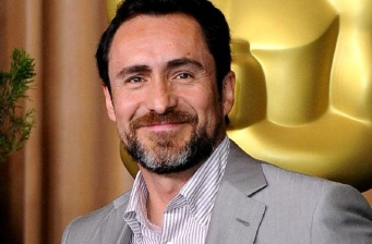 "Demián Bichir to debut as director in ""Refugio"""