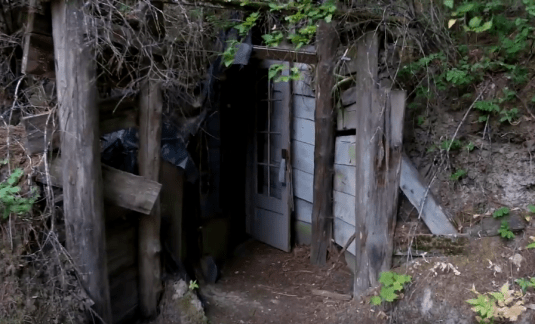 "How This Idaho Oldtimer Constructed An Ideal ""Underground Home for Less Than $50"""