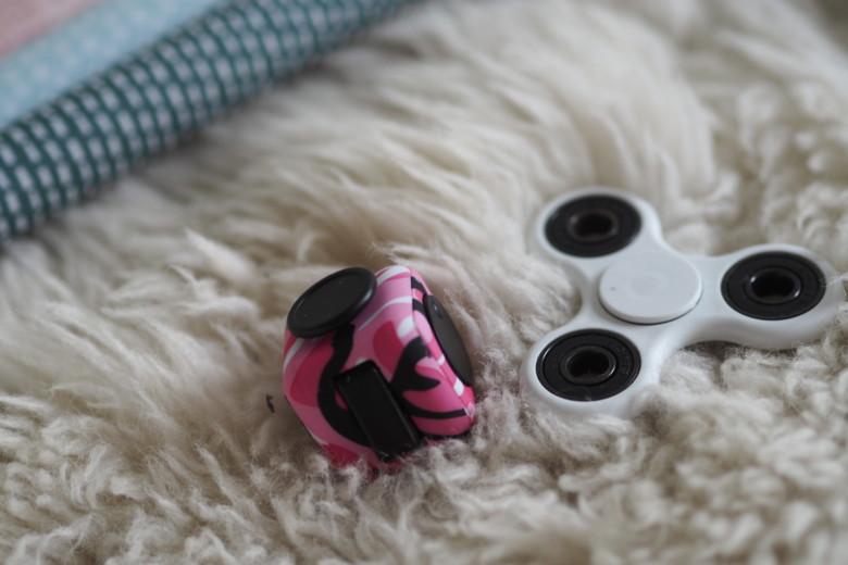 Test af fidget cube & spinner