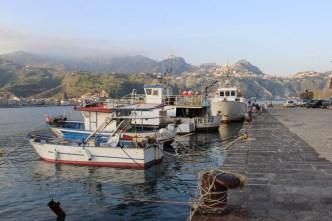 Dans le port de Giardini-Naxos