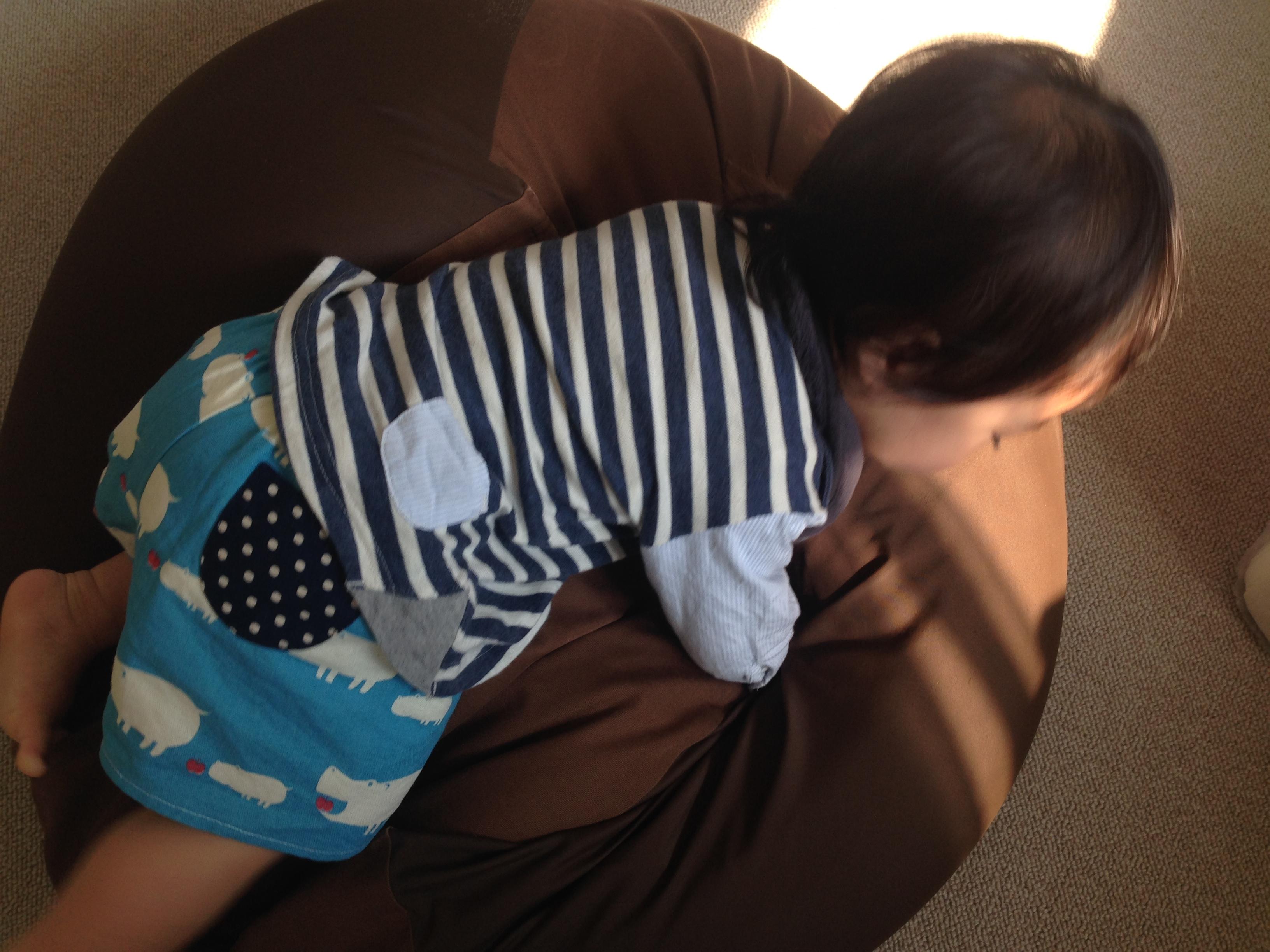 子供の寝相対策にも!クッションになる無印良品の『体にフィットするソファ』。