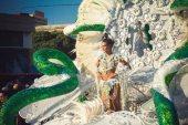 Карнавал на Тенерифе — участница конкурса Королевы карнавала вблизи (со змеями)