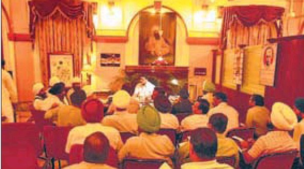 The municipal corporation holding a special meeting to discuss the night sanitation project in Amritsar