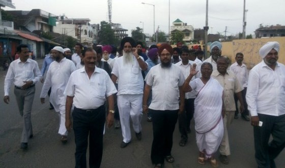 Dalit-Muslim-and-Sikh-representatives-participating-in-peace-march-1-e1412584099433