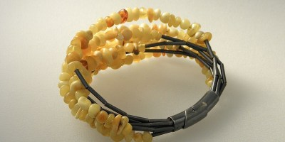 827 - Butterscotch Amber Bracelet