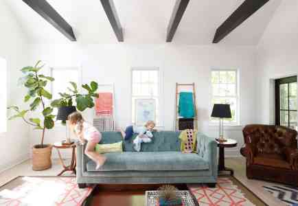 HOM: Charming Charleston Home of Look Linger Love