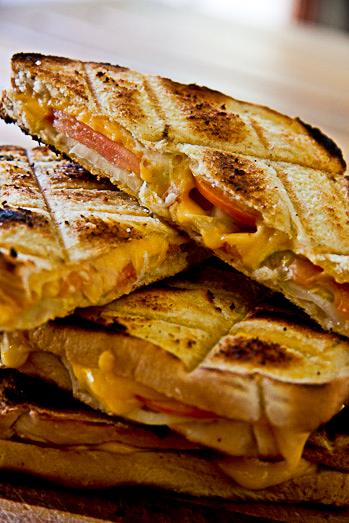 Braai broodjies (Barbecue sandwiches)