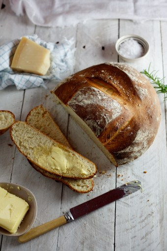 Pecorino & potato bread