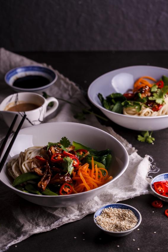 Sesame chicken noodle bowls