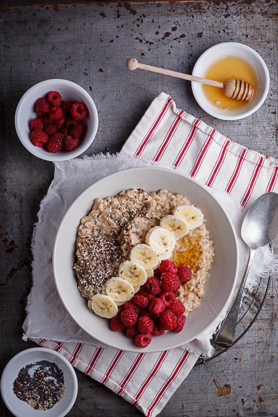 Creamy oats breakfast bowls