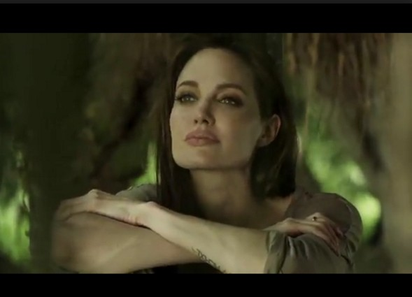 Angelina Jolie With Out Make Up 9
