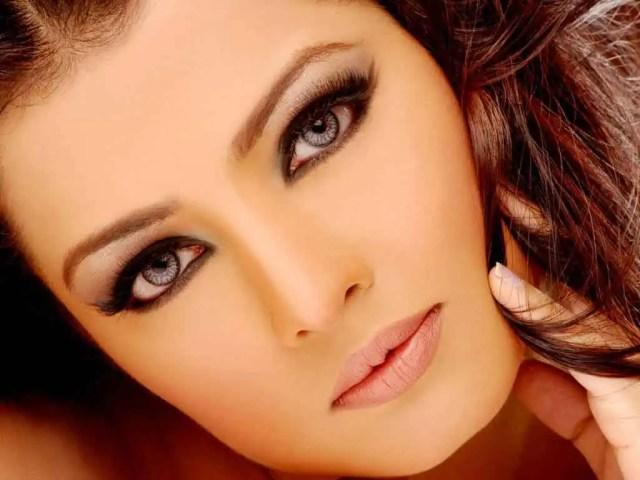 celina jeithely beautiful eyes