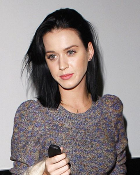 katy perry on phone