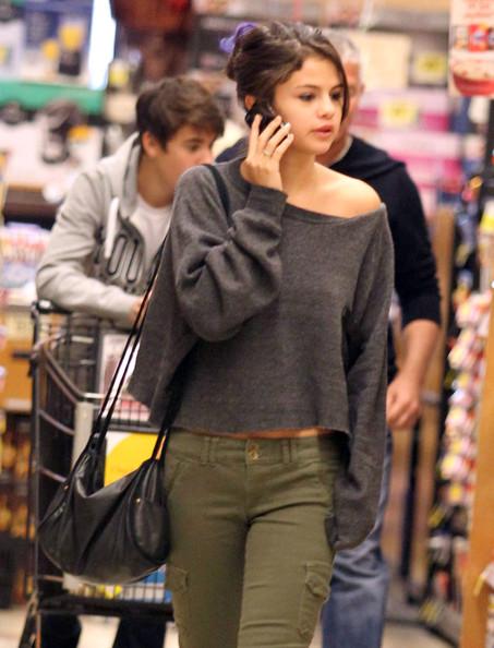 selena gomez while shopping