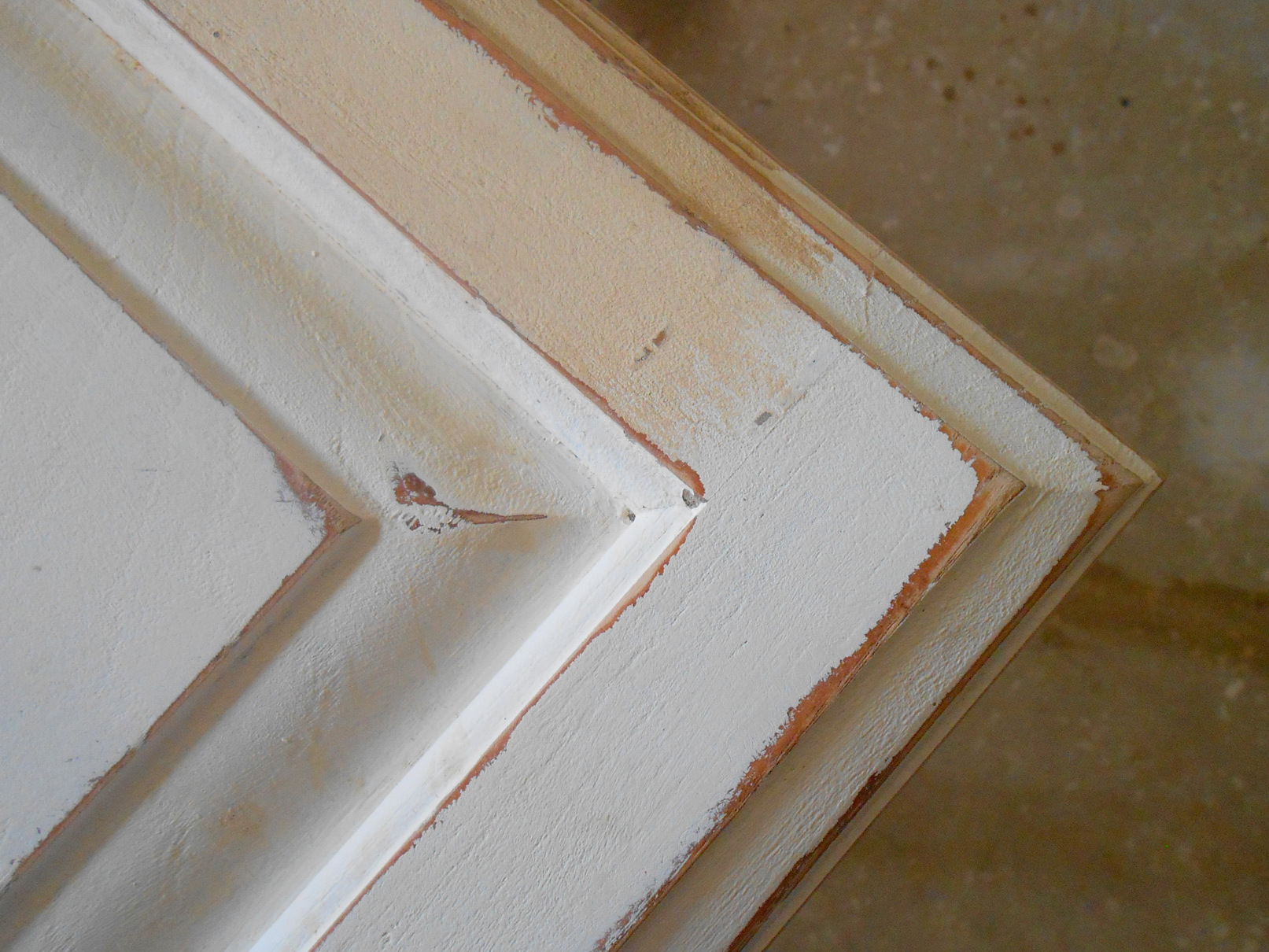 using chalk paint for oak kitchen cabinets test door distressed kitchen cabinets To get ideas on distressing