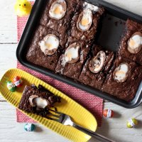 Creme Egg Melty Brownies