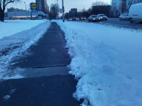 Selska, staza pod snijegom