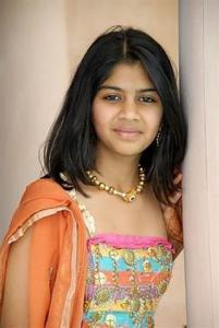 indian-girl-anni-small