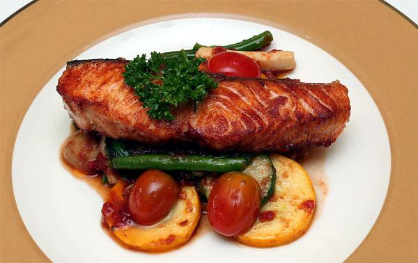 Mẹ bầu nên ăn gì để con thông minh: 5 loại cá mẹ nên ăn trong thai kỳ