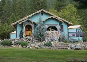 artists-house-Highland-Etna-4.1-acre-for-sale (3)