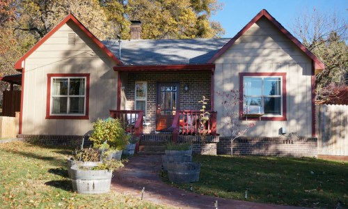 Mt Shasta downtown homes  quiet private Mt Shasta house (1)