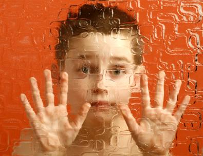Autism_boy_help
