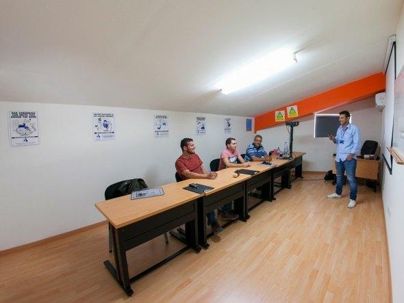 skembedjis-forklift-operator-training-cyprus-theory