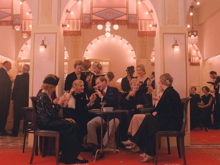 item3.rendition.slideshowWideVertical.grand-budapest-hotel-set-04-hotel-lobby