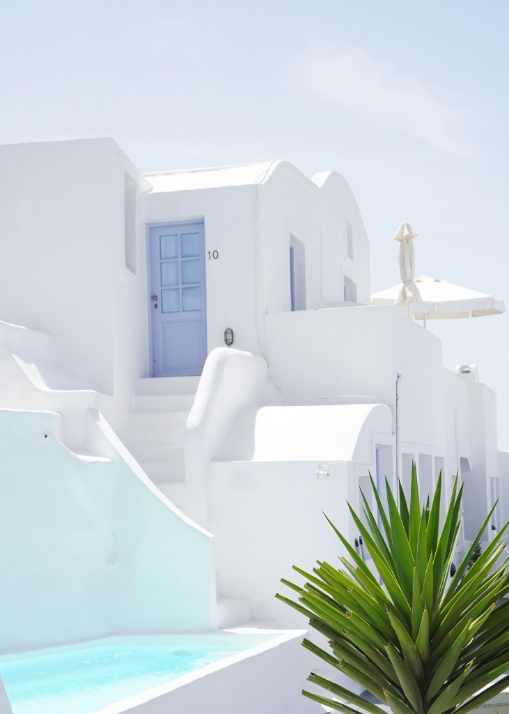 Skirt The Rules / Santorini Travel Guide