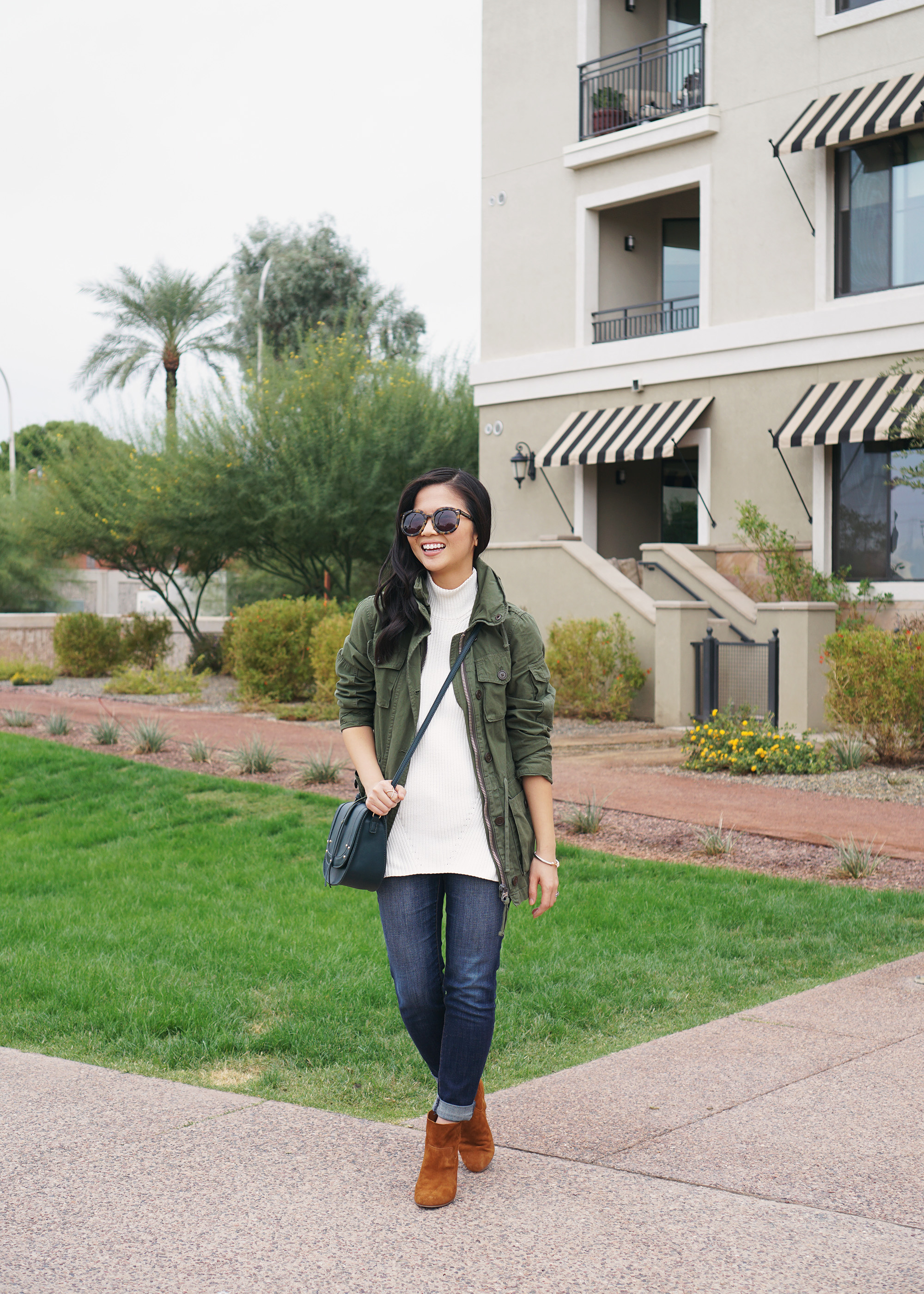 Casual Fall Style / Army Jacket & Skinny Jeans