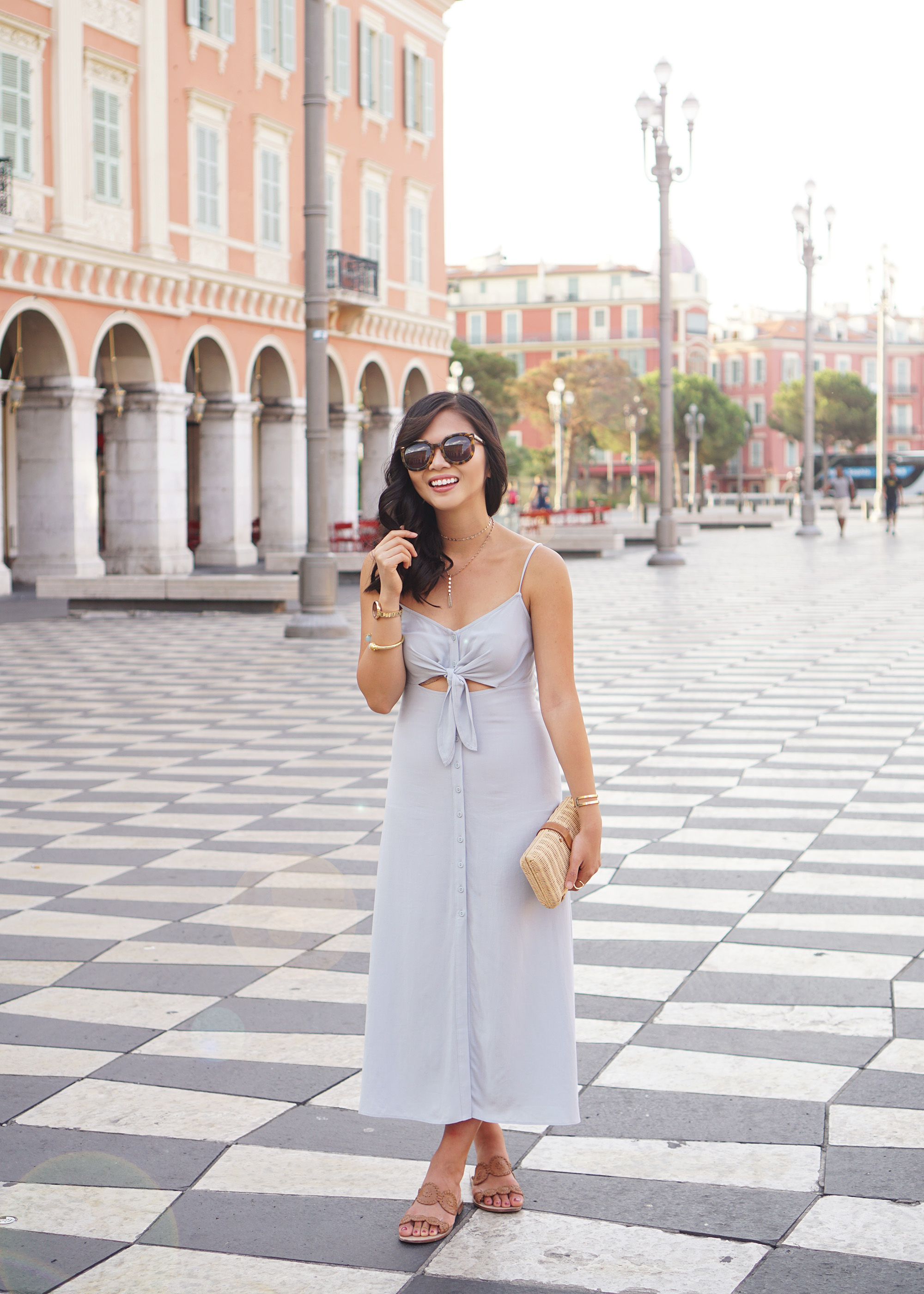 How to Wear a Tie Front Dress
