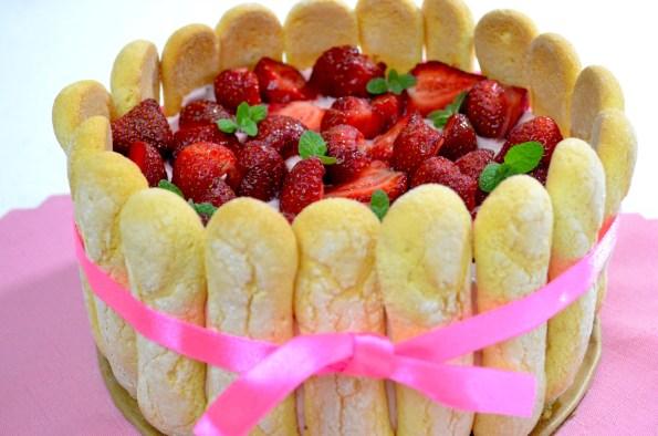 torcik z truskawkami i mascarpone