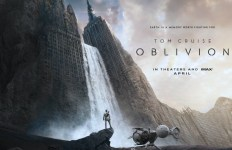 Oblivion-2013-Tom-Cruise-Morgan-Freeman-Andrea-Riseborough
