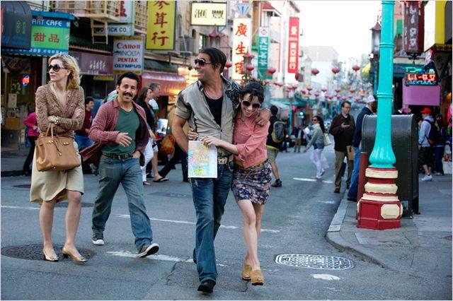 Blue Jasmine - Jasmine en promenade avec Ginger et ses copains / © Mars Distribution
