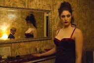 Gemma Arterton incarne Clara, une vampire pas vamp du tout.
